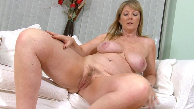 Porn women virgin sex pic